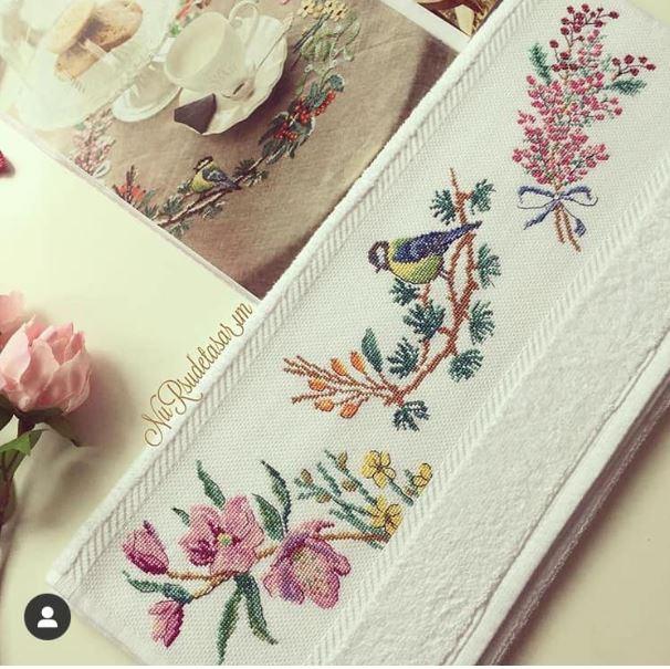 kuş ve çiçekli havlu