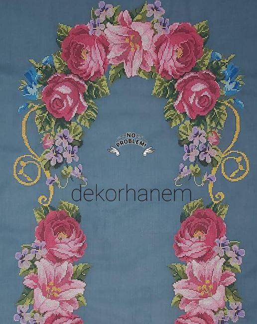big roses crossstitch pattern
